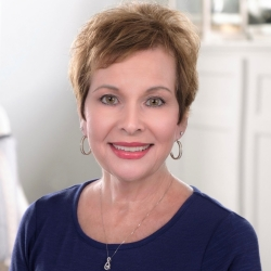 Paula Thieneman-Bates expert realtor in Louisville, KY